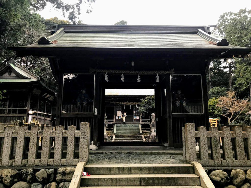草薙神社の神門