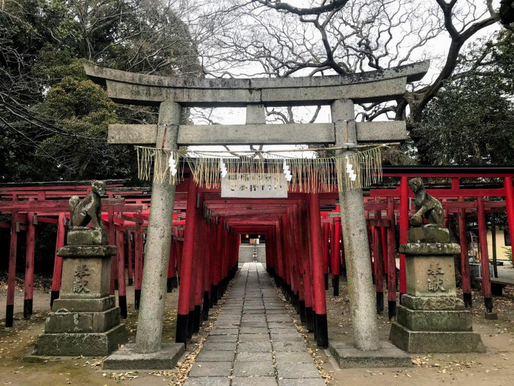 美濃輪稲荷神社|鳥居